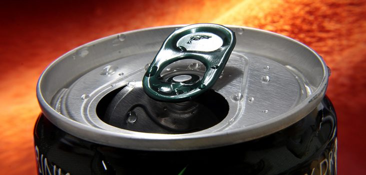 Geöffnete Dose eines Energy Drinks